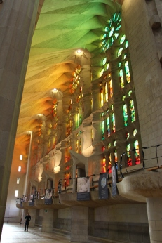The stained glass windows on the left side of the nave (on the Passion Side) symbolize Resurrection.
